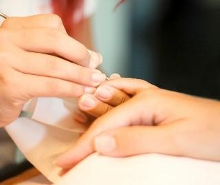 nettoyage de vos ongles